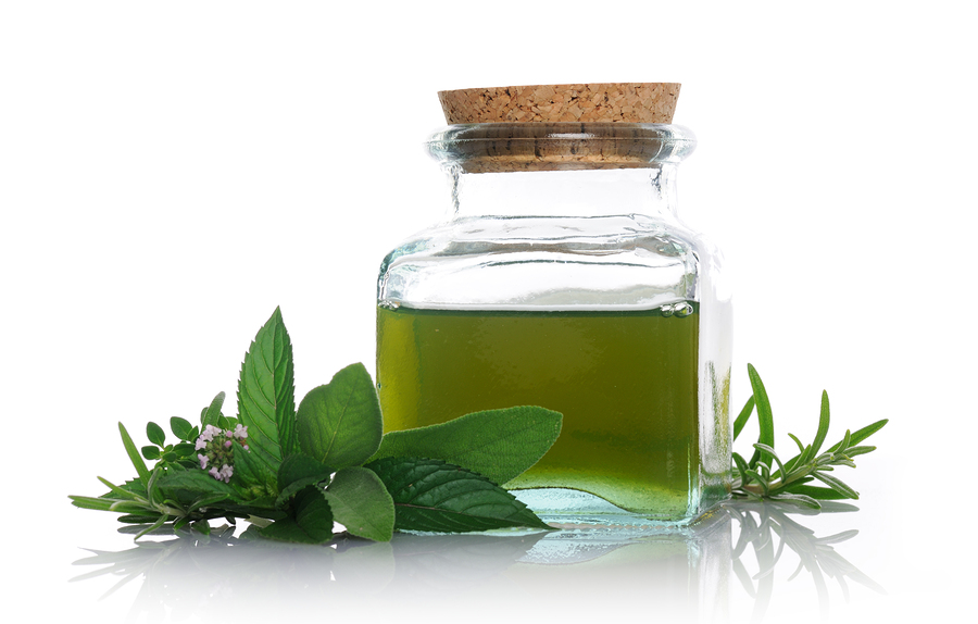 Peppermint oil with peppermint plant at EatLiveLovefood